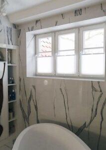 Шторы плиссе в ванной комнате фото 1