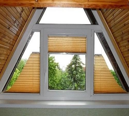 шторы плиссе на сложном окне