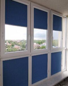 фото синие рулонные шторы 3
