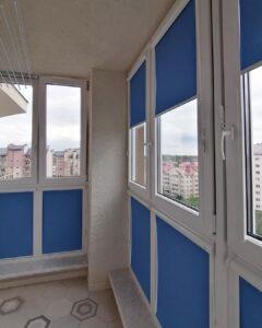 фото синие рулонные шторы 1